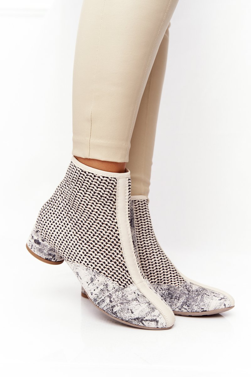 Braided Boots On A Block Heel Maciejka 04937-03 Beige