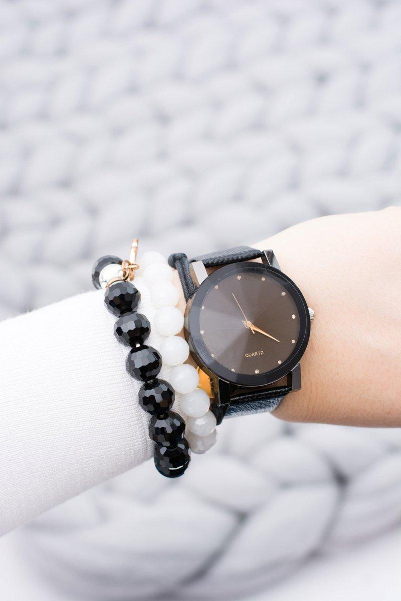 Elegant Ladies Black Watch on Belt