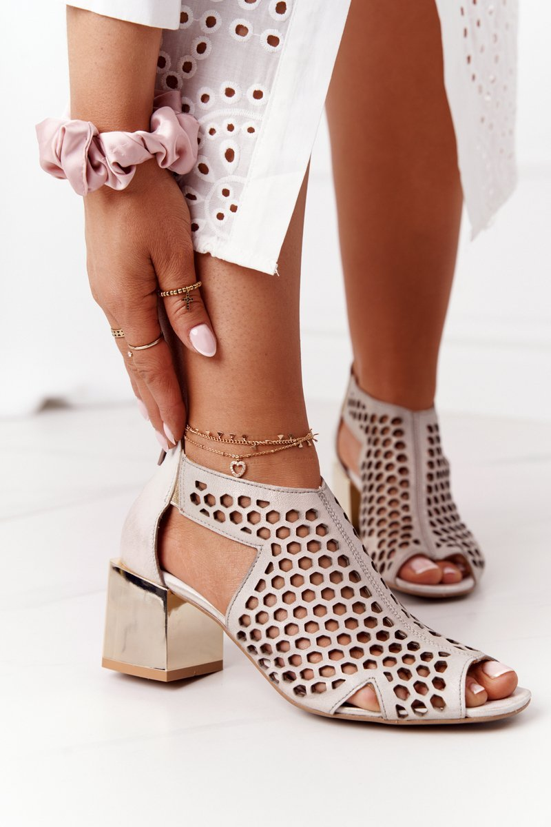 Openwork Sandals On A Block Heel Maciejka 04593-25 Golden