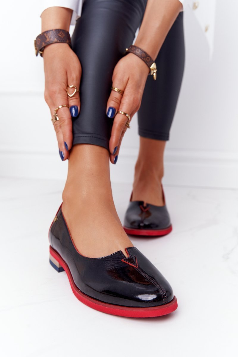 Women's Patent Leather Shoes Maciejka 05035-20 Black
